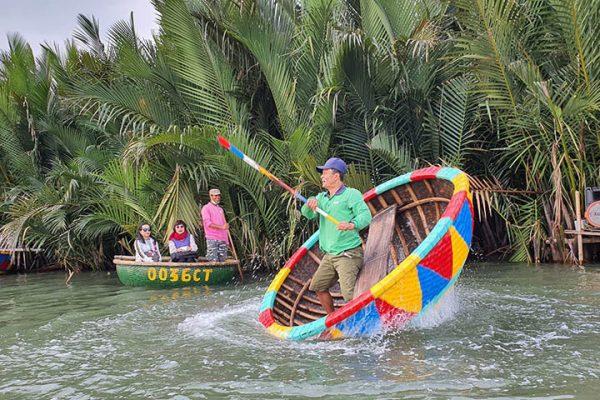 basket boat Hoi An tour